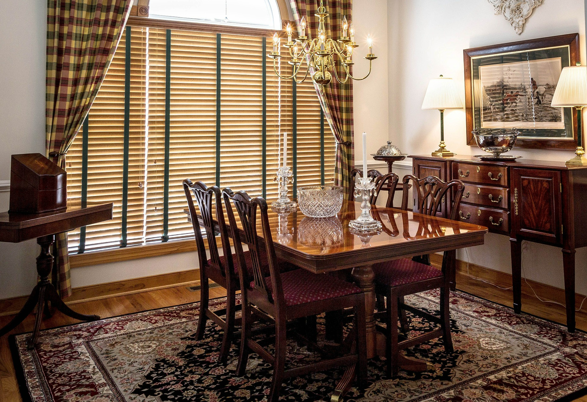 Dining room with carpet bought from a rug store